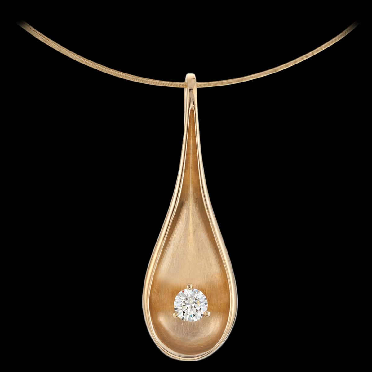 L'Aqua Diamond Pendant Yellow Gold