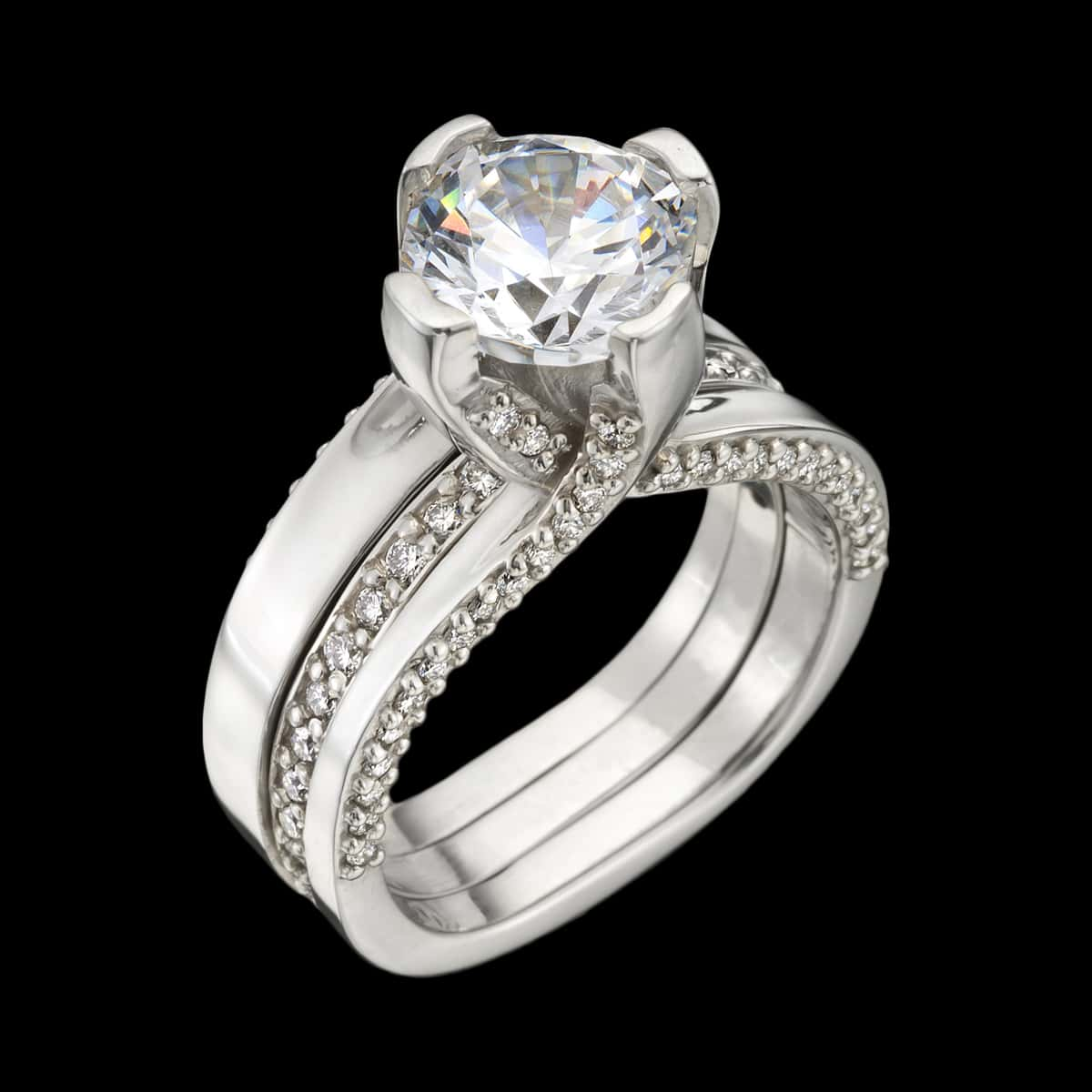 luxe diamond engagement ring