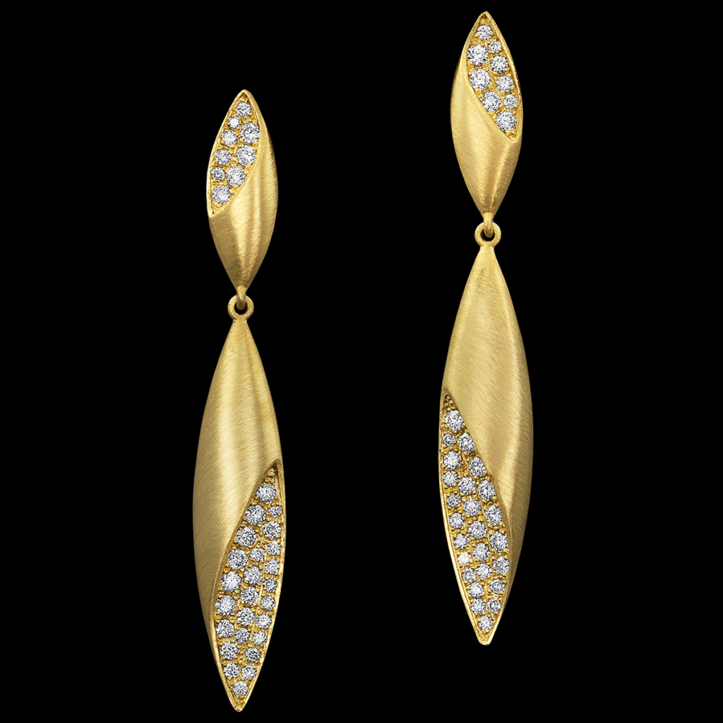 Dune Diamond Earrings in Yellow Gold