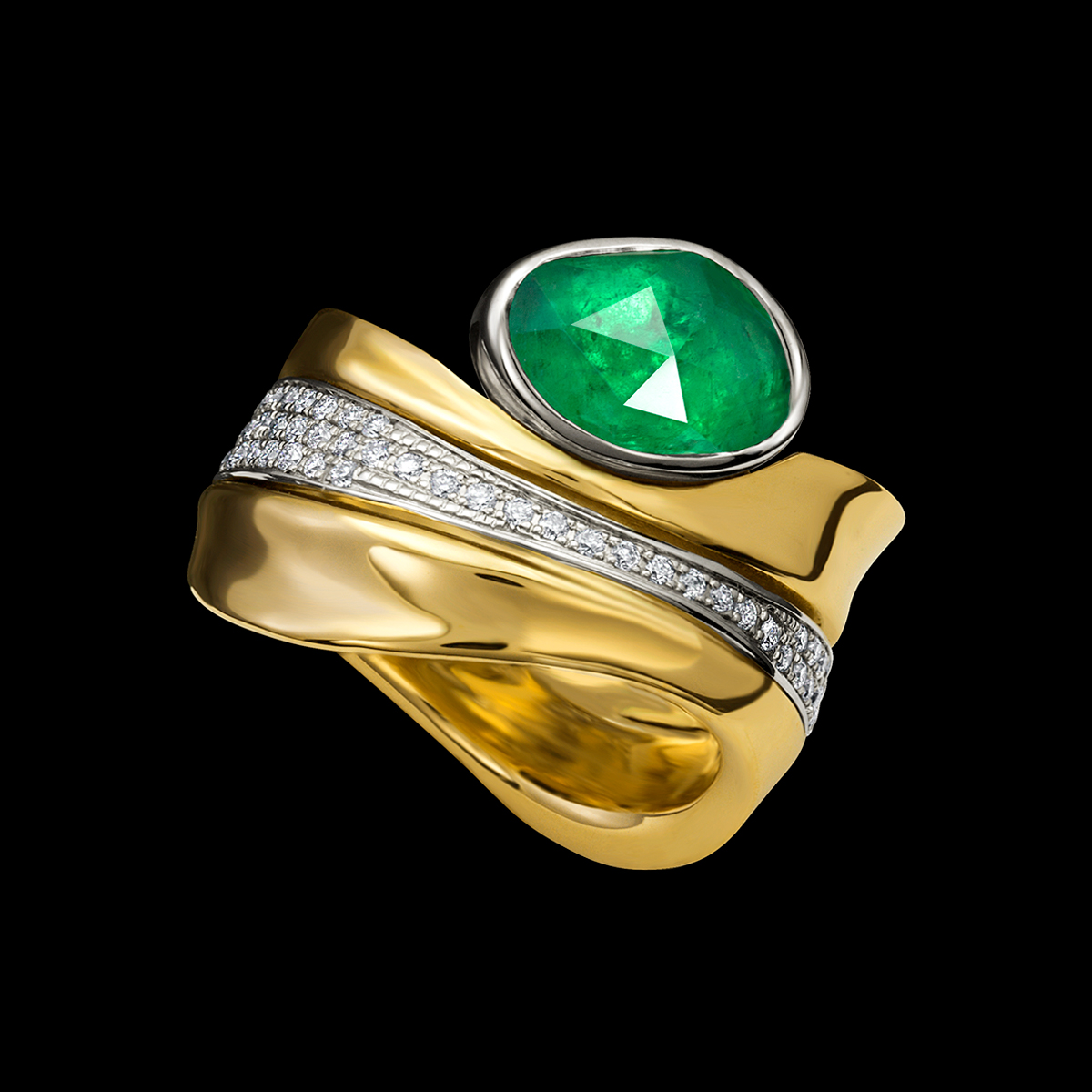 Emerald Light Ring